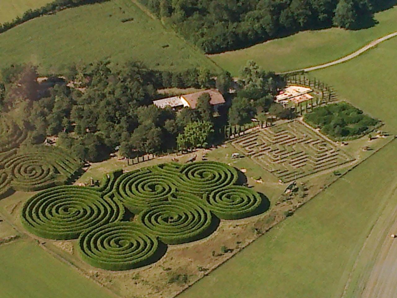 15 Labyrinthe d'Hauterives