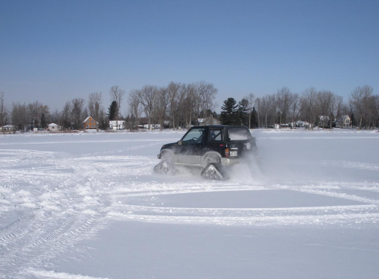 17 Ca roule sur lac gelé