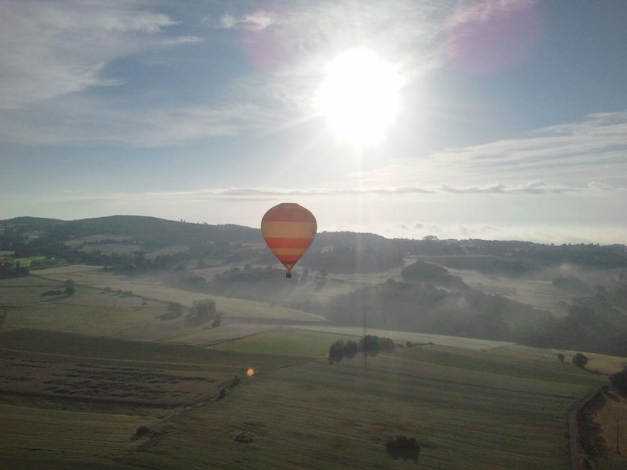2 Vol en montgolfiere pendant l'art de l'envol à Annonay