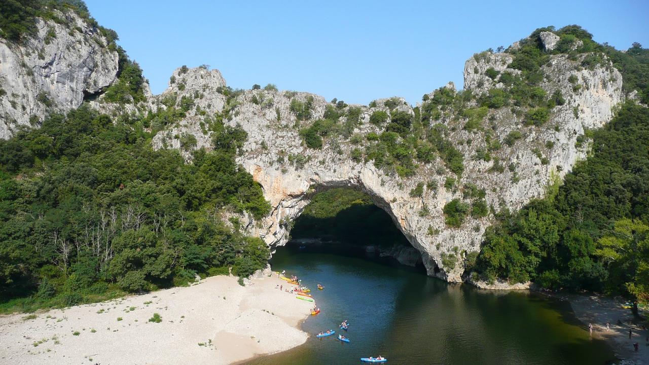 25 Vallon Pont D'Arc