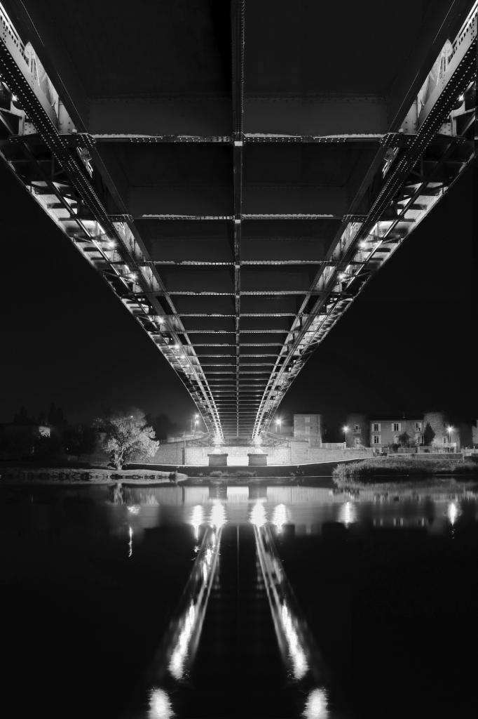 9 Sous le pont de Sablons