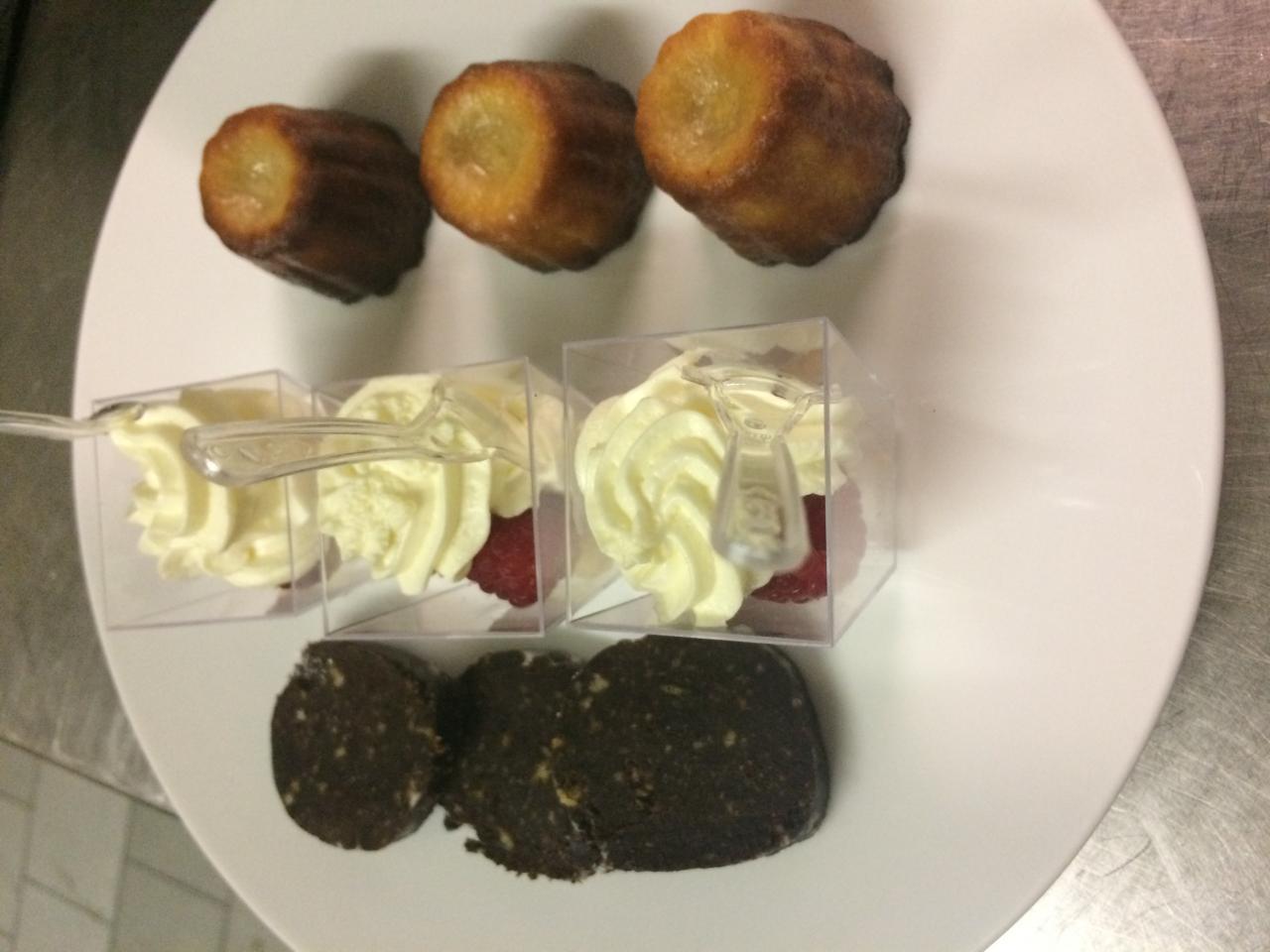 Cannelés bordelaies-Saucisson au chocolat-Tiramisu aux framboises