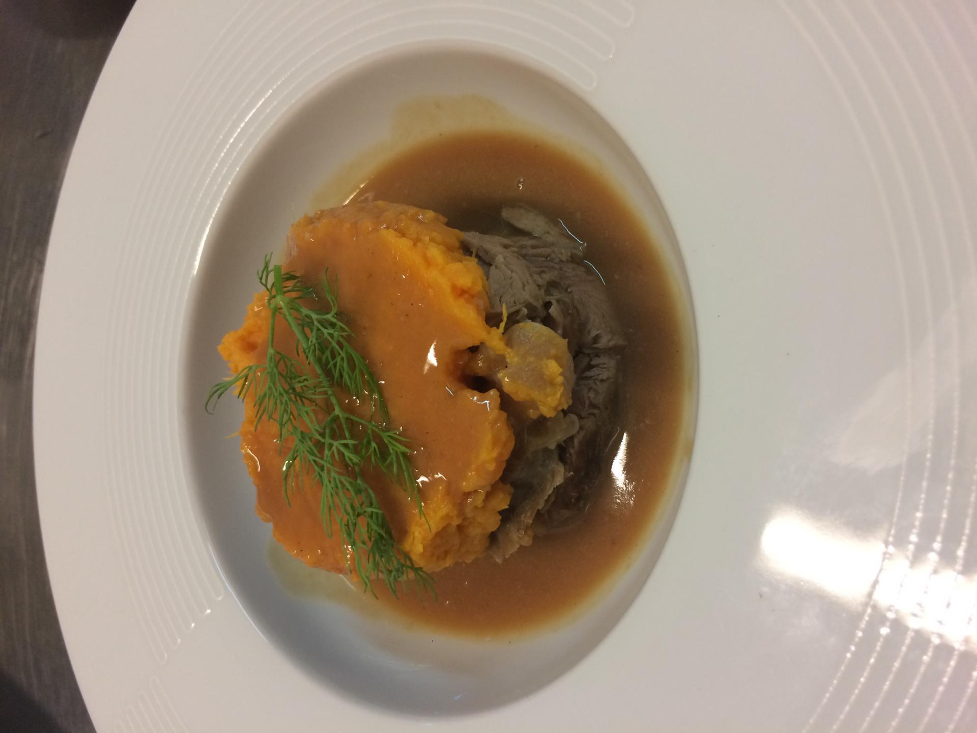 Paleron de veau confit au foie gras, poêlé de patate douce