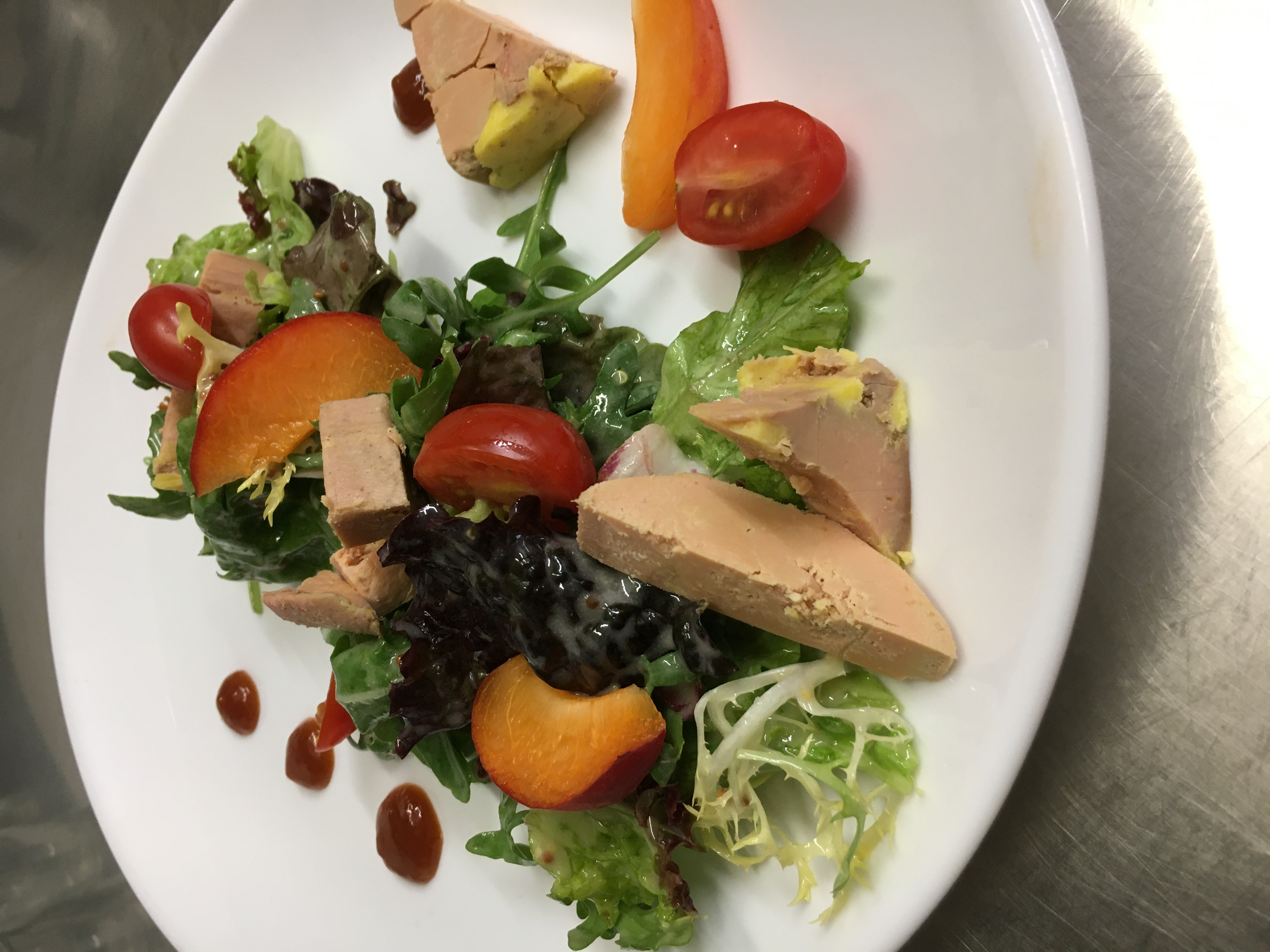 Salade au foie gras IGP sud ouest aux abricots