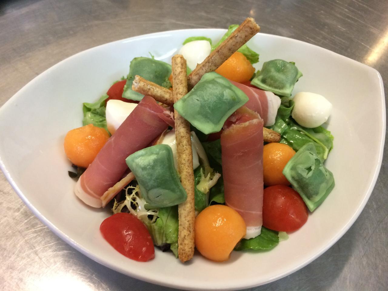 Salade Italienne et ses ravioles aux basilic de la Mère Maury