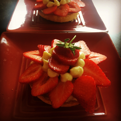 Sablé breton aux fraises et crème au citron